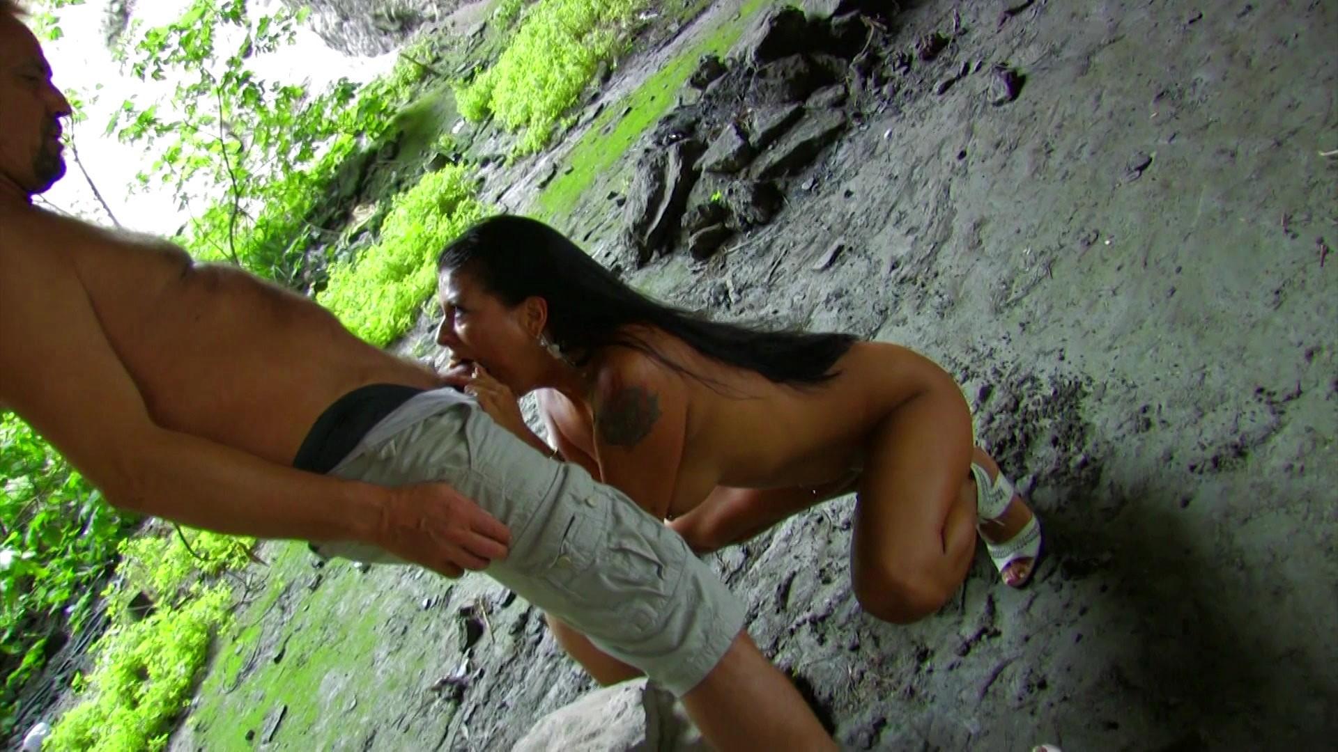 Brunette get banged caveman mobile porno videos
