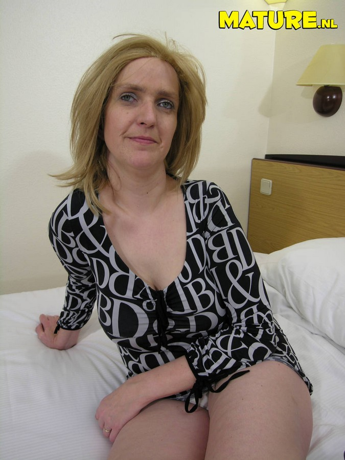 Very hairy milf pussy outdoor mature porn min