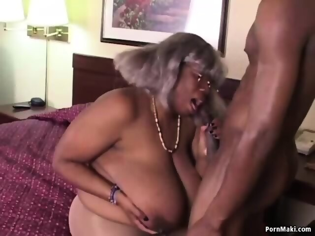 Ebony bbw granny porn