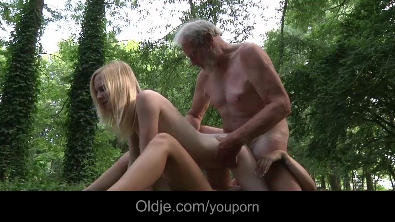 Xxx Kelly brook escena de sexo en la playa survival island
