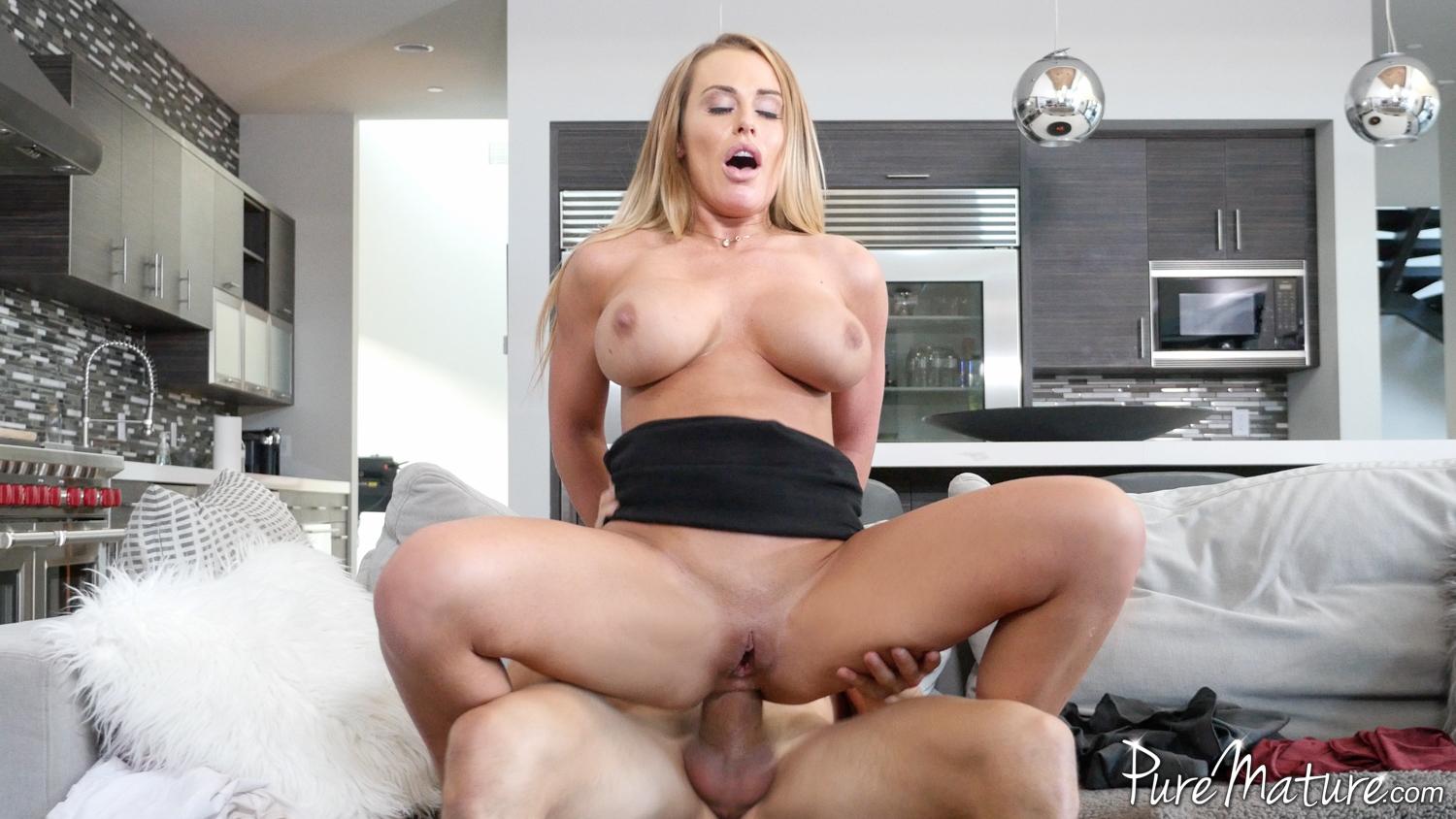 Molly jane fuck with his dad abuse