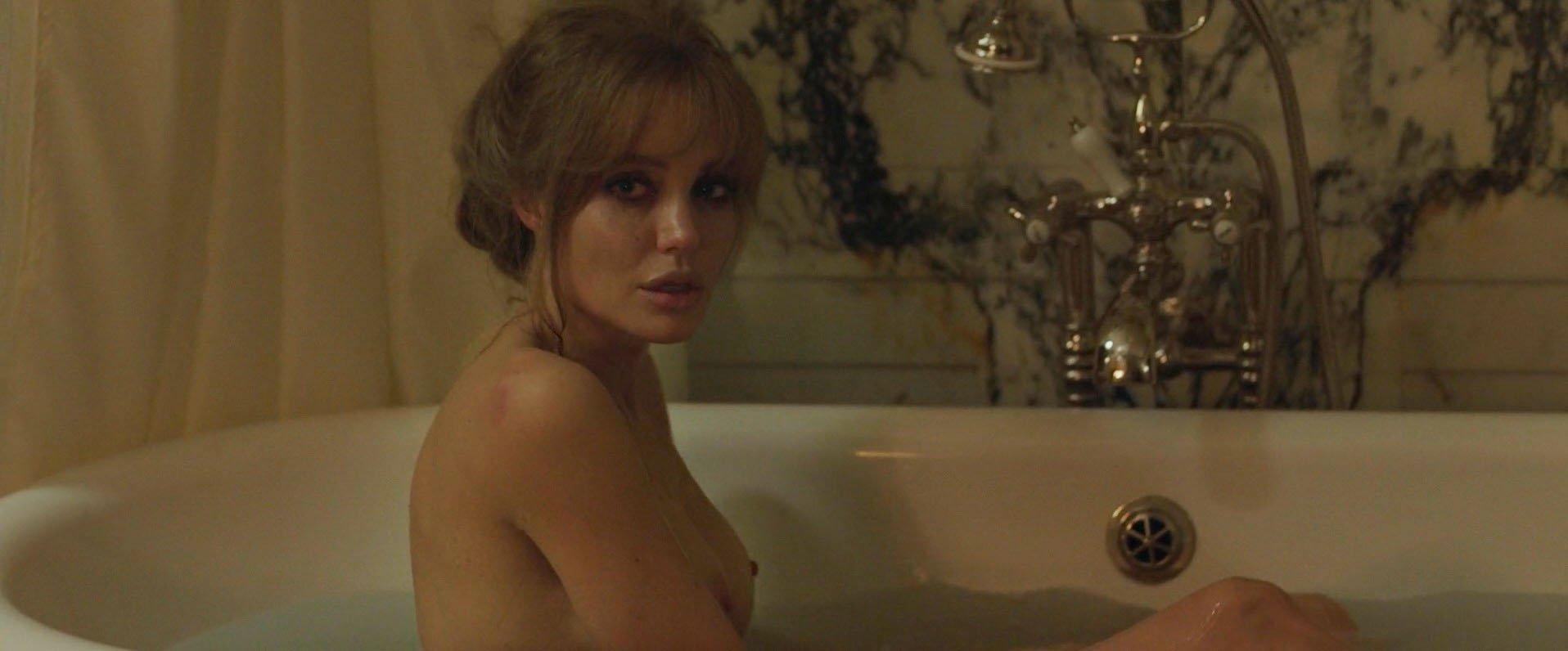Angelina jolie gia sex scene hot model fukers