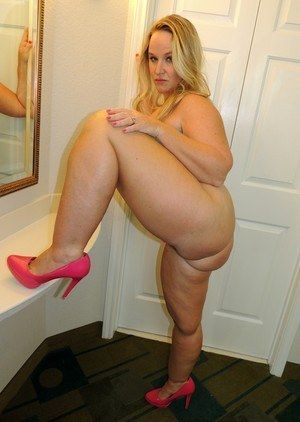 Milf thick thighs porn