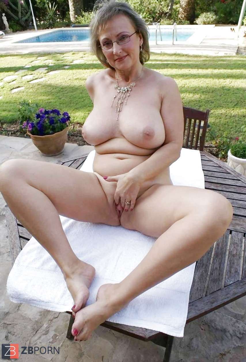 Hottest women ever nude