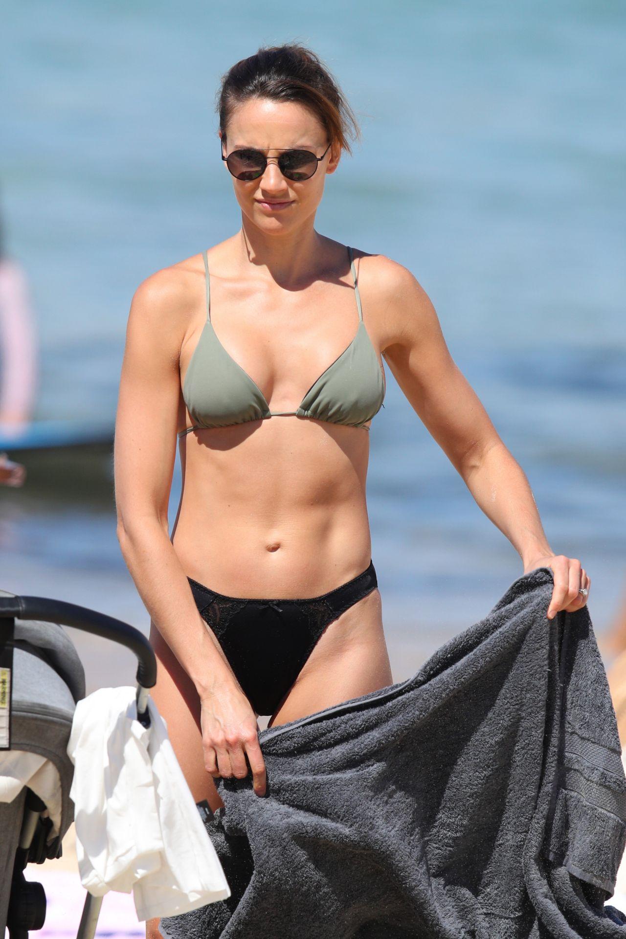 Sofia hublitz bikini