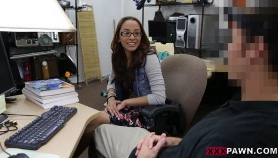 Xxx pawn college student banged in pawn shop