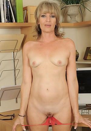 Huge tits fuck porn
