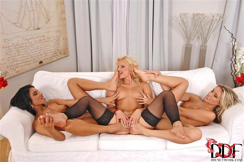 Daisy marie and friend are into licking pussy with each