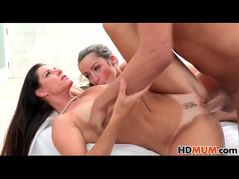 Hdmum step mom sex video and pictures