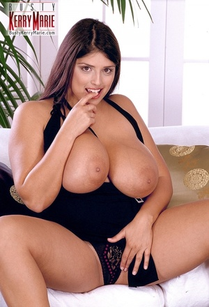 Xxx Paula masturbates to orgasm on a bed hidden cam tmb