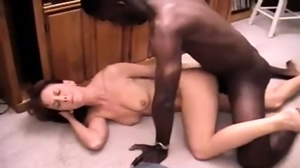 White guy eating black pussy til nice orgasm tmb