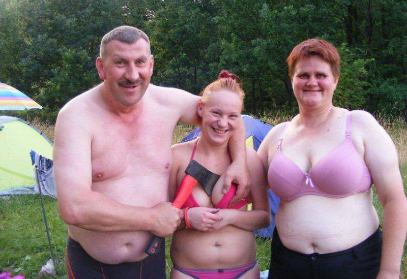 Pictures of nude families