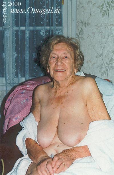 Pamela anderson naked souls alyssa milano at fakefantasy