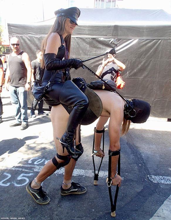Tail plug in public