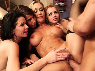Netvideogirls sweet girl has group sex